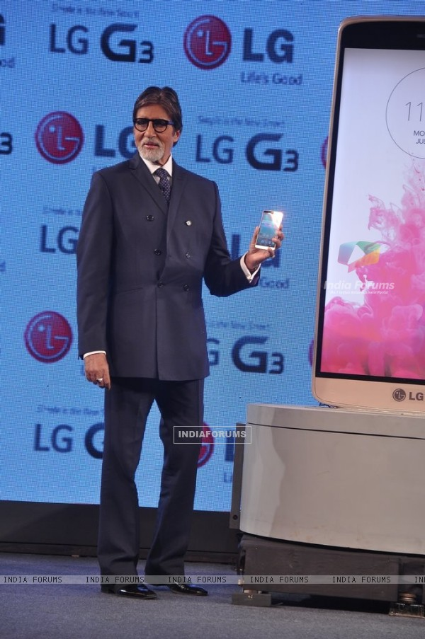 Amitabh Bachchan with LG Mobile