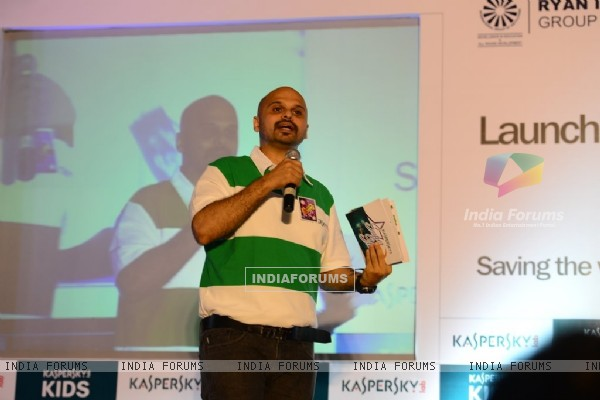 Host addressing the audience at the Launch of Kaspersky Kids Awareness Program