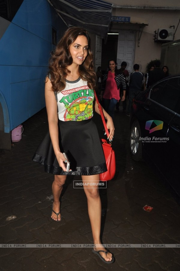 Esha Gupta Snapped at Mehboob Studio