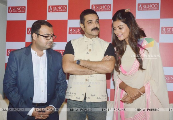 Sushmita Sen and Prosenjit at the Inauguration of the Sprawling Showroom in Andheri