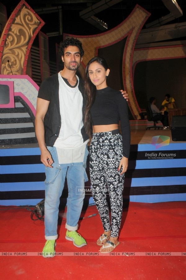 Krystal Dsouza poses with Tushar Kalia
