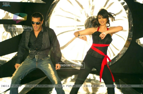 Salman and Ayesha in black