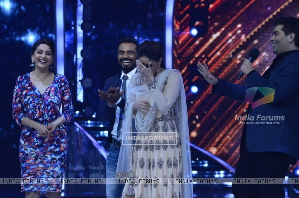 Kareena Kapoor bursts out laughing on Jhalak Dikhla Jaa