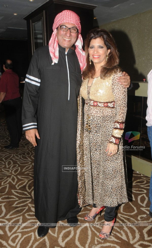 Talat and Bina Aziz pose for the media at Anup Jalota's Birthday Celebration