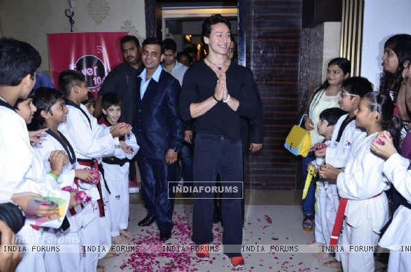 Tiger Shroff greeting the audience