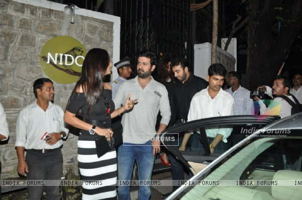 Shilpa Shetty was seen talking to Harman Baweja outside Nido