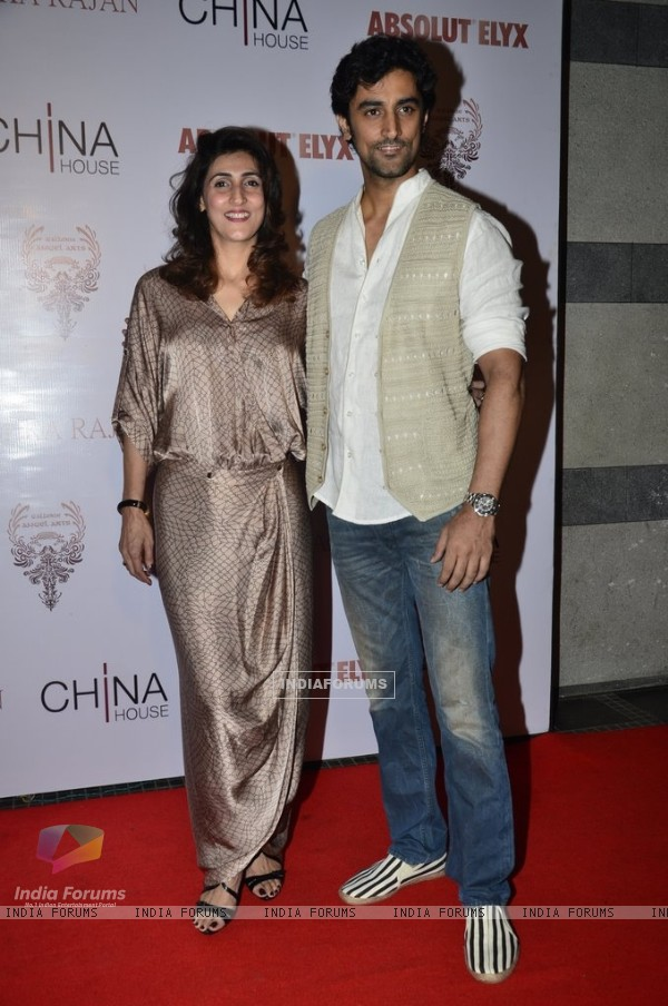 Kunal Kapoor with Naina Bachchan at Gallerie Angel Arts Event