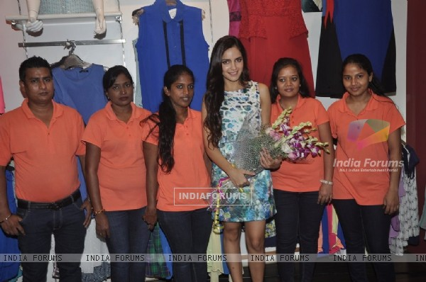 Shazahn Padamsee was felicitated by the staff at the Launch of Madame's Studio Collection