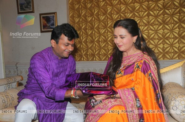 Aneel Murarka gives his sister Poonam Dhillon at gift for Raksha Bandhan