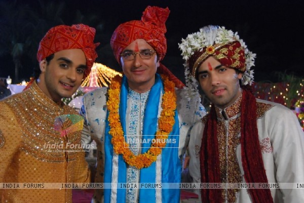 Indrajit with his sons Alekh and Ranvir