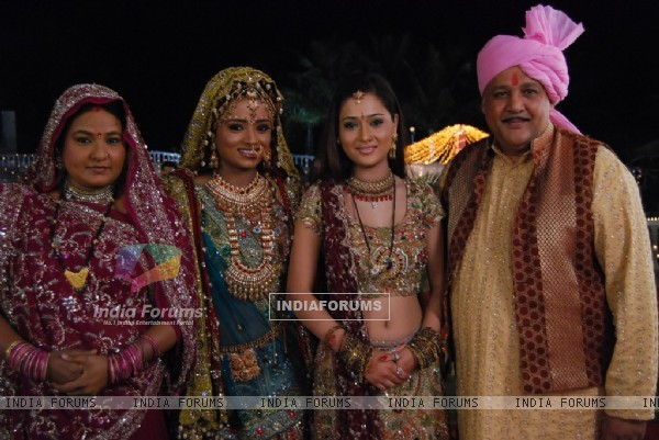 Ragini and Sadhna with their parents