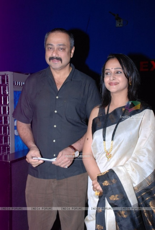 Sachin Khedekar and Mrinal Kulkarni were at the Premier of Marathi Movie Ram Madhav