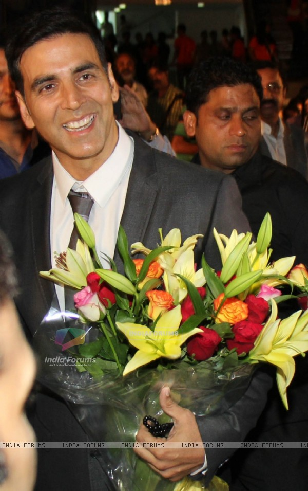 Akshay Kumar at the Premiere of movie 'Entertainment'