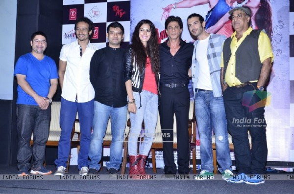 Shah Rukh Khan poses with the team of Mad About Dance