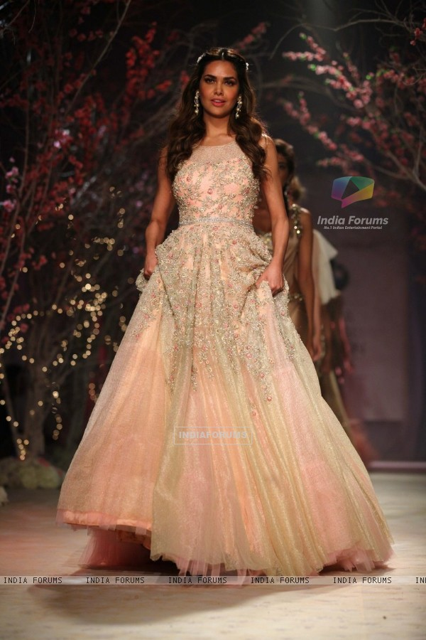 Eesha Kopikar walks the ramp at the Indian Bridal Fashion Week Day 3