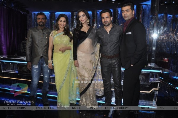 Emraan Hashmi and Humaima pose with Remo, Madhuri and Karan at Jhalak Dikhla Jaa