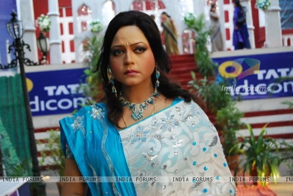 Vasundhara Rajvansh looking tensed