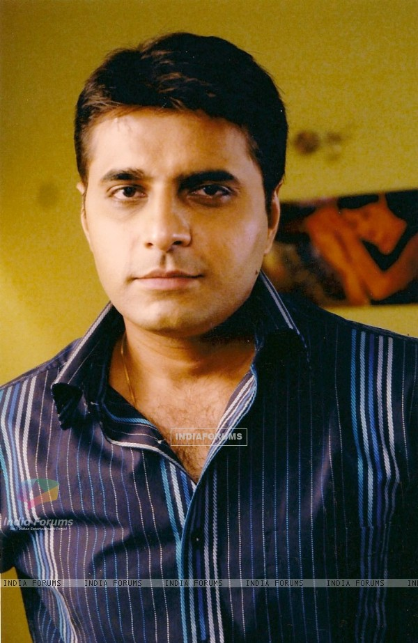 A still image of Vineet Sharma