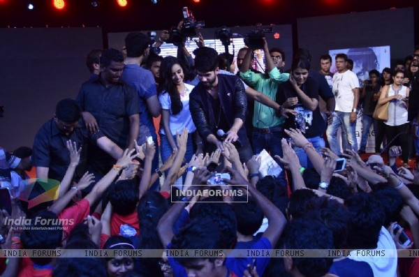 Shahid Kapoor and Shraddha Kapoor interacts with their fans at the Promotion of Haider