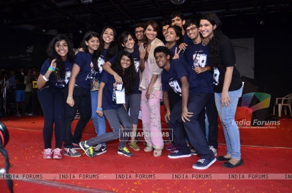 Bipasha Basu clicks a pic with her fans at the Promotions of Creature 3D at Mithibai College