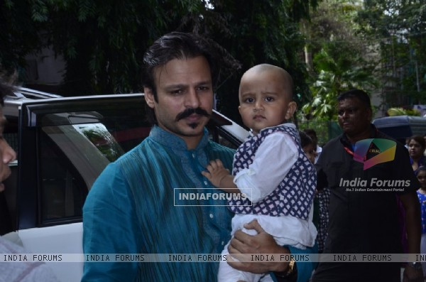 Vivek Oberoi with his son at the Isckon Temple on Janmashtami