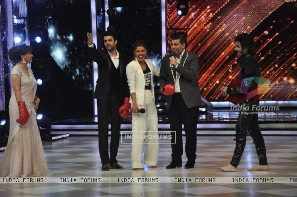 Promotion of Mary Kom on Jhalak Dikhhlaa Jaa