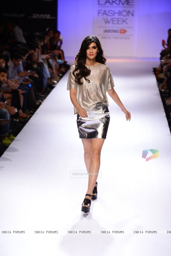 Kriti Sanon walks the ramp for River Island at the Lakme Fashion Week Winter/ Festive 2014 Day 2