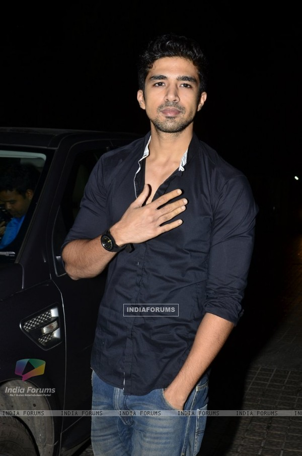 Saqib Saleem poses for the media at the Special Screening of Katiyabaaz