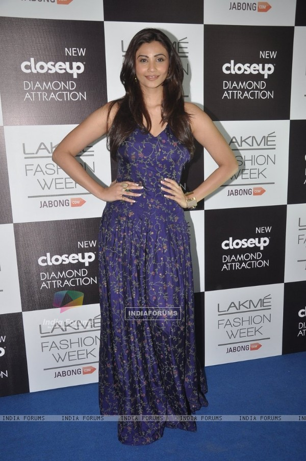 Daisy Shah at the Lakme Fashion Week Winter/ Festive 2014 Day 3