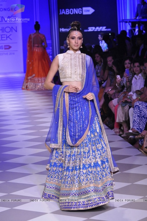 Alicia Raut walks the ramp for Anita Dongre at the Lakme Fashion Week Winter/ Festive 2014 Day 4