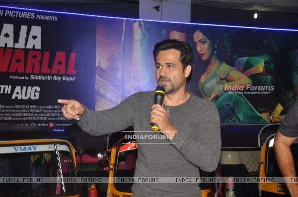 Emraan Hashmi interacts with the Rickshaw Drivers at the Special Screening of Raja Natwarlal
