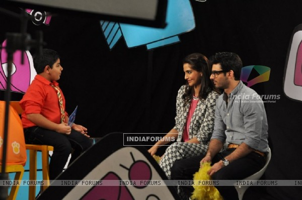 Sonam Kapoor and Fawad Khan answer some fun questions on Captain Tia