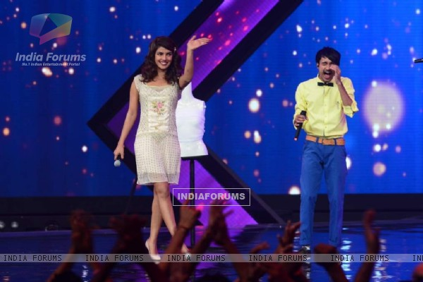 Priyanka Chopra Promotes Mary Kom on India's Raw Star