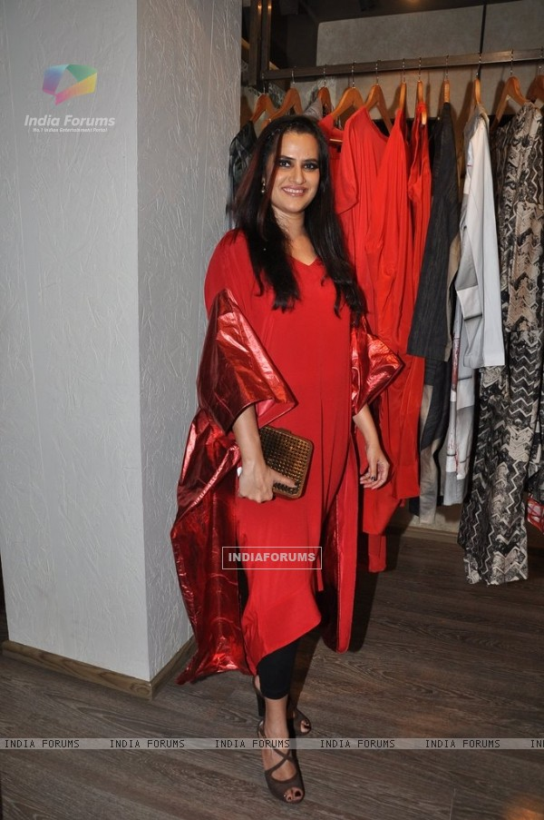 Sona Mohapatra at Kallol Dutta's Collection Preview