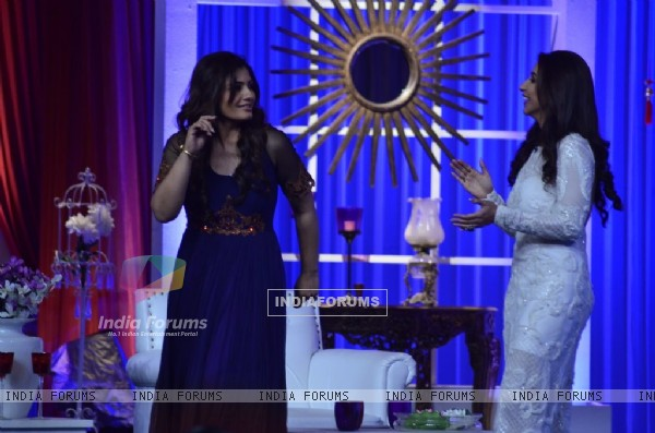Raveena Tandon shakes a leg at GR8 Magazine 11th Anniversary Celebrations