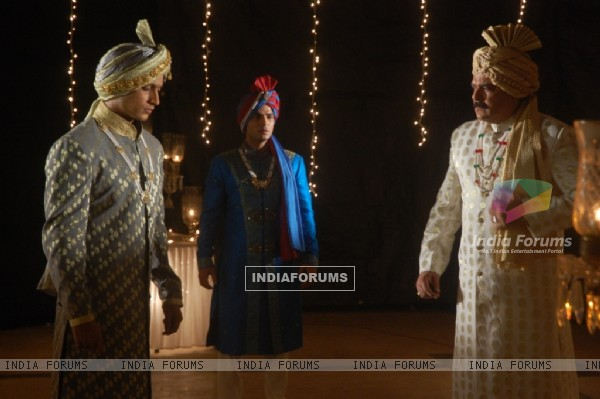 Raja Sahaab talking to Yudhishtir and Rudra