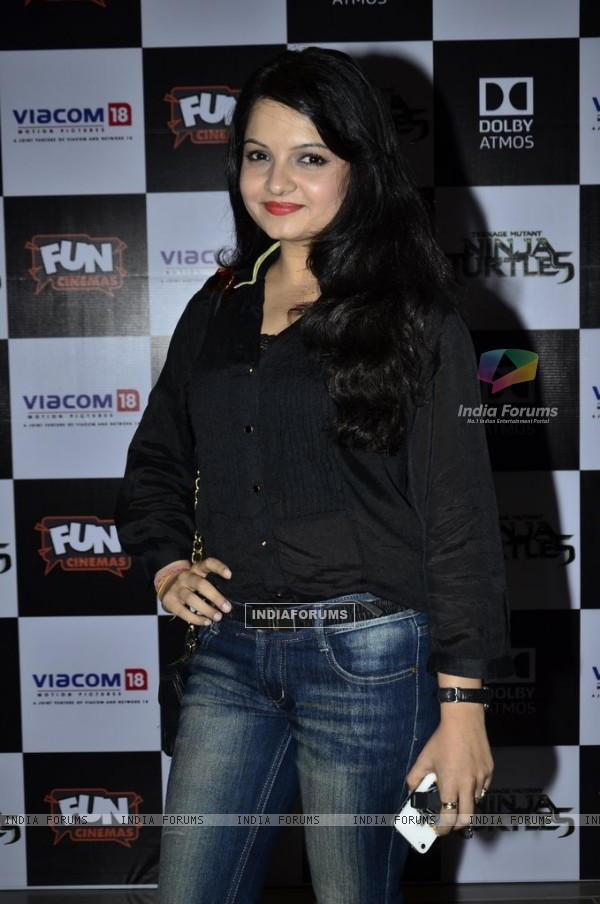 Giaa Manek poses for the media at the Screening of Ninja Turtle