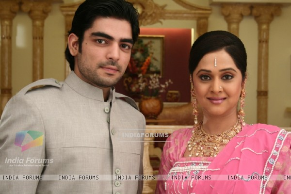 Choti Rani and Rudra looking happy