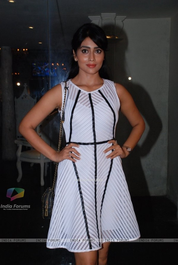 Shreya Saran poses for the media at the Sun Down Party of Sony Pal's Simply Baatein