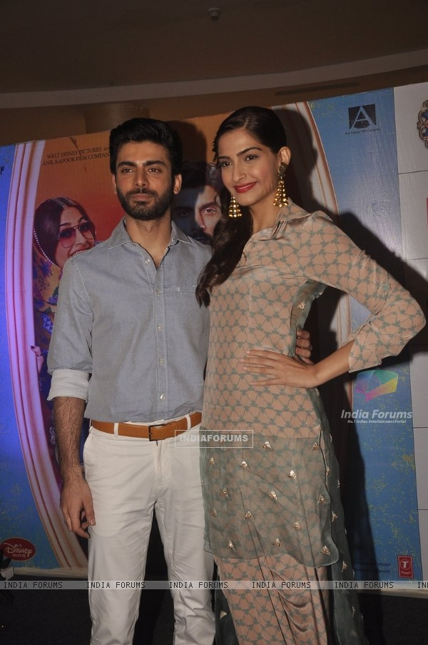 Sonam Kapoor and Fawad Khan Promote Khoobsurat at Viviana Mall, Thane