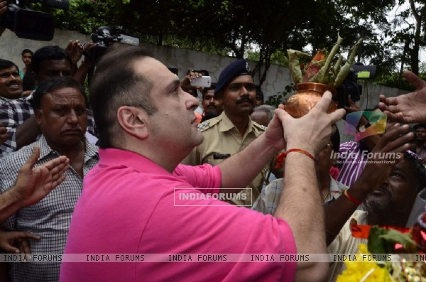 Rajiv Kapoor at the Visarjan of Lord Ganesha of RK Studios