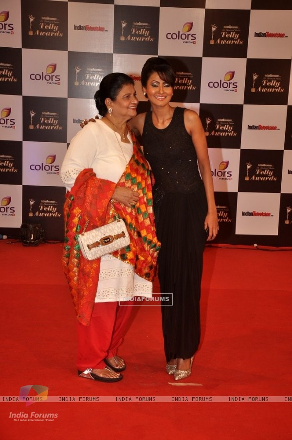 Nigaar Z. Khan with her mother were seen at the Indian Telly Awards