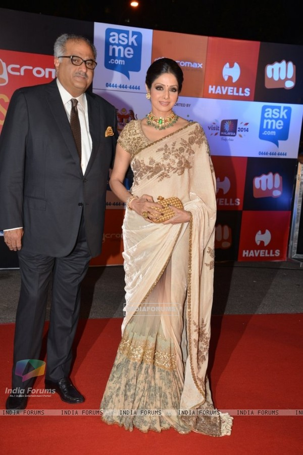 Boney Kapoor and Sridevi Kapoor pose for the camera at Mircromax SIIMA Awards Day 1
