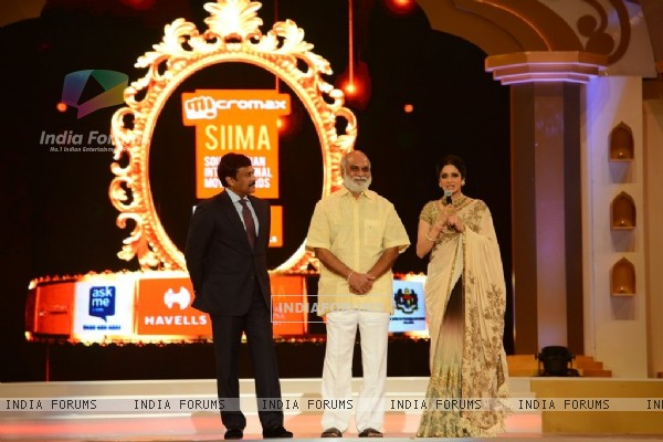 Sridevi addressing the audience at Mircromax SIIMA Awards Day 1