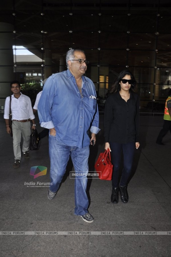 Boney Kapoor snapped with daughter Jahnavi Kapoor at Airport