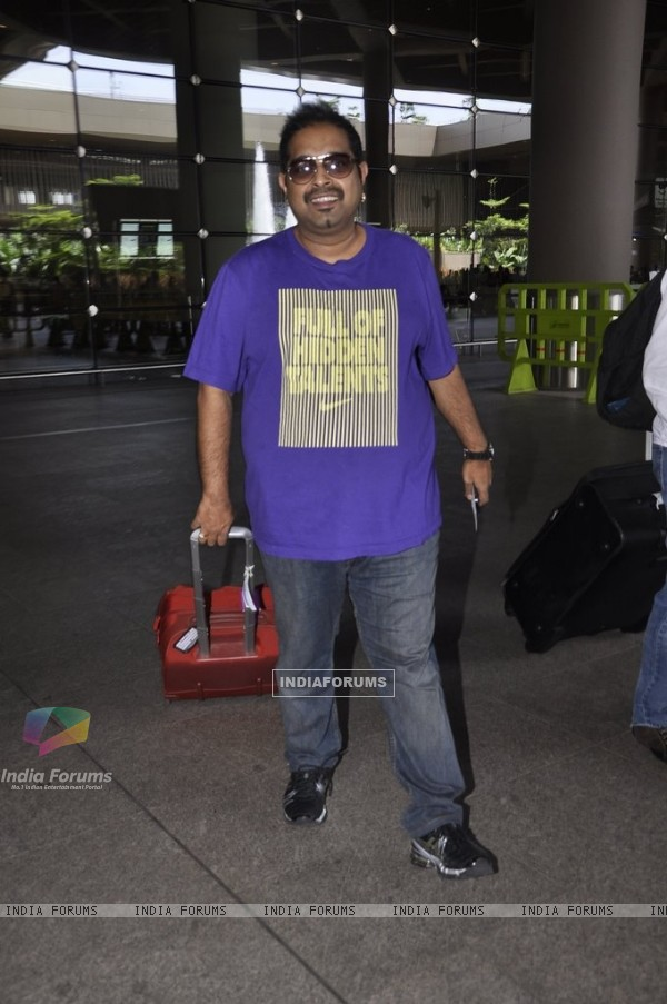 Shankar Mahadevan snapped at Airport