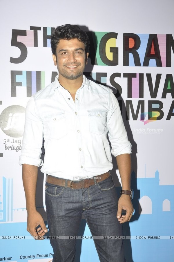Sharad Kelkar poses for the media at 5th Jagran Film Festival Mumbai