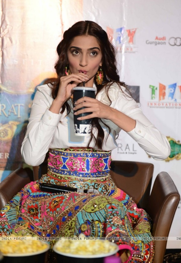 Sonam Kapoor snapped enjoying soft drink at the Promotion of Khoobsurat