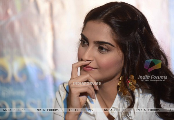 Sonam Kapoor snapped engrossed in a deep thought at the Promotion of Khoobsurat
