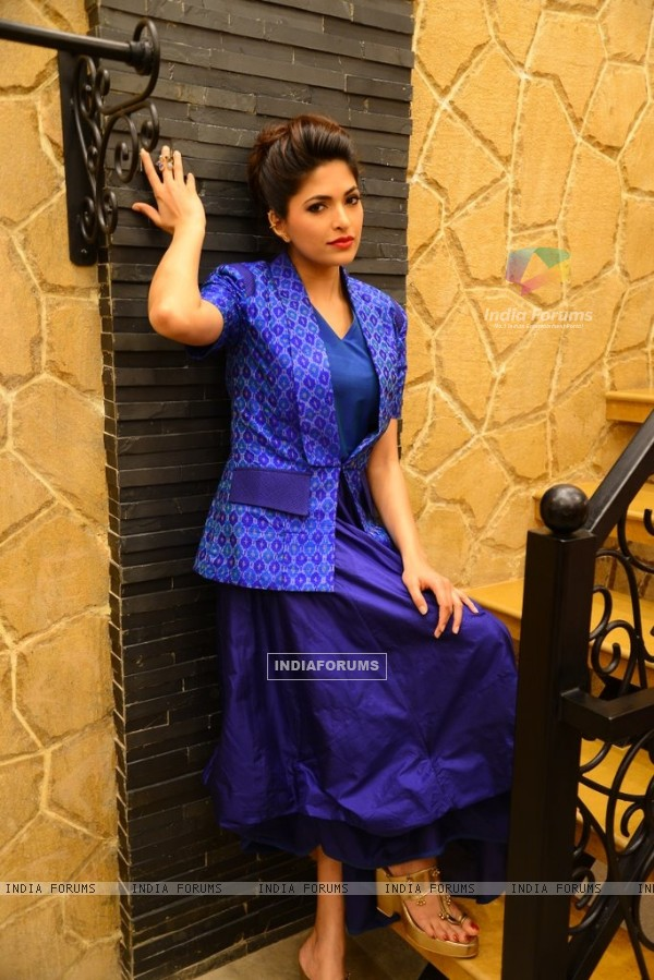 Parvathy Omanakuttan poses smartly at an Exclusive Photo Shoot for Designer Shruti Sancheti